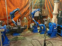 溶接ロボット AR-1440 スタンバイ中